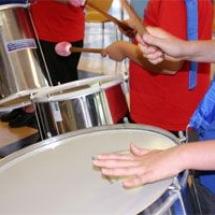 hands drumming kids