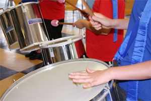 hands drumming kids